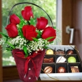 Red Roses Standing Bouquet & Gourmet (Fresh) Chocolate 9 pcs